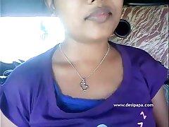 Indian gf exposing her juicy boobs to her boyfriend - desipapa.com